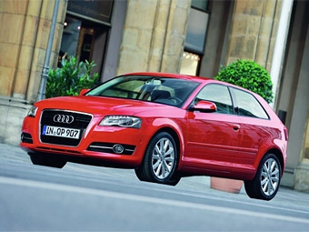 """У Audi A3 появится версия с кузовом """"седан"""""""