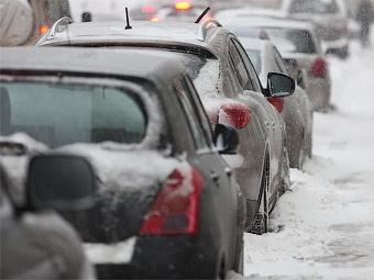 Москвичей попросили отказаться от поездок на машинах во вторник