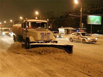 Московских водителей предупредили о первом снеге и гололеде