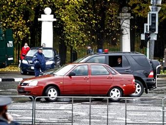 Уго Чавес протестировал седан Lada Priora