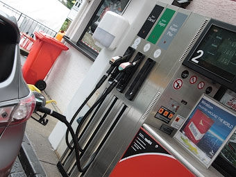Правительство одобрило повышение акцизов на топливо на три рубля