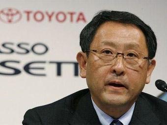 """Президент """"Тойоты"""" во второй раз извинился за отзывы автомобилей"""