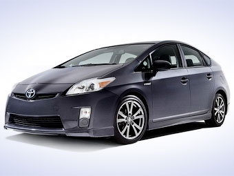 """""""Тойота"""" сделала гибрид Prius чуть спортивнее"""