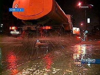 Для борьбы с гололедом в Москве заготовили 350 тысяч тонн реагентов