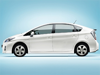 Toyota готовит семиместный вариант гибрида Prius
