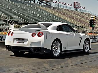 900-сильный Nissan GT-R будет ездить на спиртовой смеси