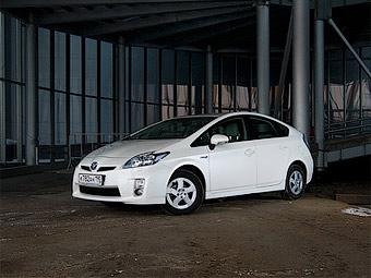 Toyota отзовет гибриды Prius из-за проблем с тормозами
