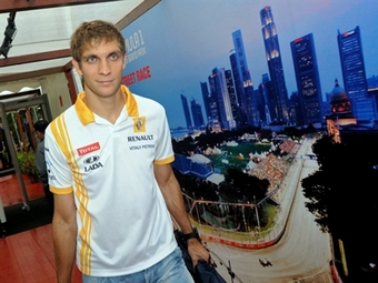 Виталий Петров сохранит место в Renault F1 в 2011 году