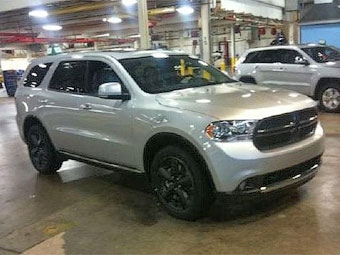 На заводе Chrysler сфотографировали новый Dodge Durango