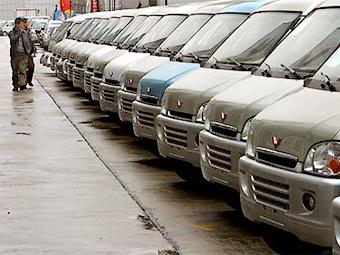 Продажи автомобилей в Китае падают второй месяц подряд