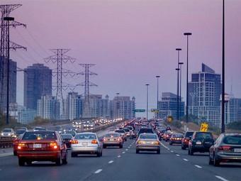 Четыре канадца из пяти не готовы отказаться от вождения ради экологии