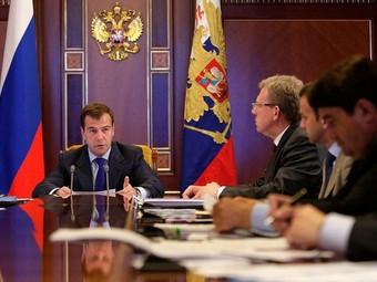 Медведев усомнился в необходимости создания дорожных фондов