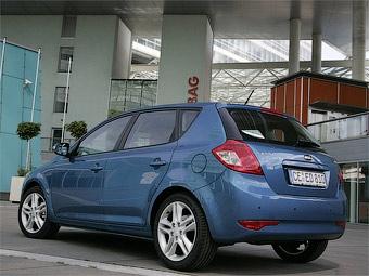 Названы российские цены на самый мощный Kia cee'd
