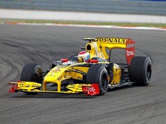 Руководитель Renault F1 похвалил Виталия Петрова