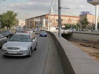 Ленинградское шоссе в Москве сузили до двух полос