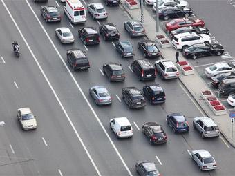 Вице-премьер обвинил Москву в недостаточном финансировании дорожной сферы