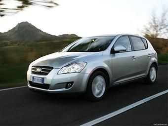 Российские Kia cee'd попали под отзыв из-за проблем с тормозами
