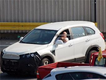 Chevrolet приступил к тестам обновленного кроссовера Captiva