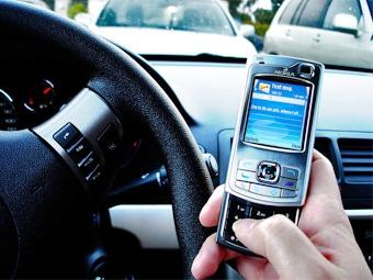 После запрета на использование телефона за рулем в США увеличилось число ДТП
