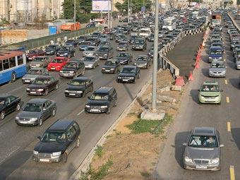 Россиянам предложили тратить на дороги в шесть раз больше
