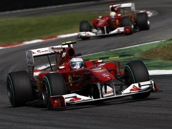 Команда Ferrari Формулы-1 победила у себя на родине