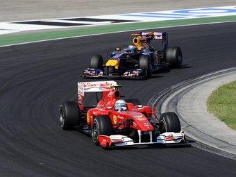 Проверки антикрыльев на гибкость замедлили Red Bull и Ferrari