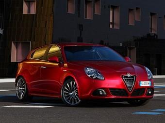 """Посмотреть на """"Джульетту"""" от Alfa Romeo пришло 90 тысяч итальянцев"""