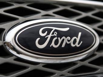 Автомобили Ford научатся сбрасывать скорость на перекрестках