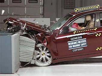 В США проверили безопасность Hyundai Genesis и Mercedes-Benz E-Class