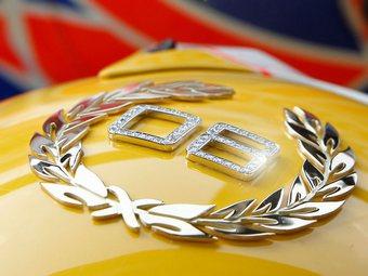 Шлемы и рули гонщиков McLaren инкрустировали бриллиантами