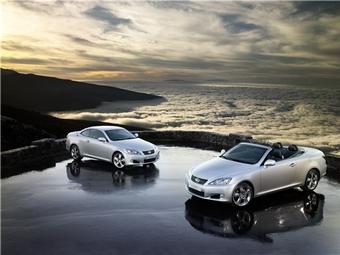 Новый кабриолет Lexus появится в России с 1 апреля