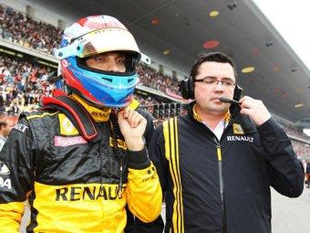 В Renault не торопятся продлевать контракт с Виталием Петровым