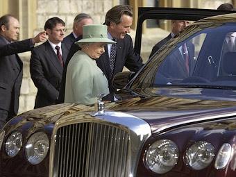 Королевский лимузин Bentley сломался в центре Лондона