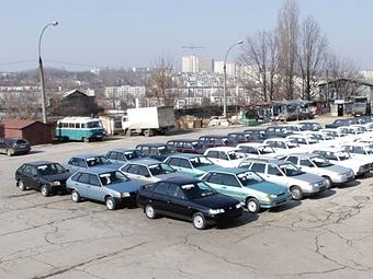 """Дилеры """"АвтоВАЗа"""" получили 20 тысяч заявок по утилизационной программе"""