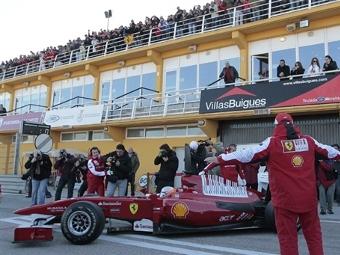 """Тесты """"Формулы-1"""" в Валенсии поставили рекорд по числу зрителей"""