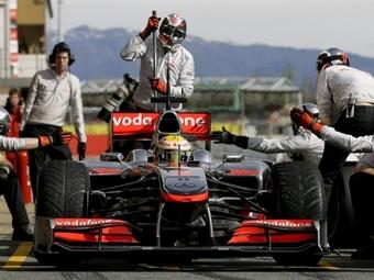 """Хэмильтон показал лучшее время тестов """"Формулы-1"""" в Барселоне"""