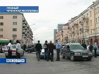 Первые легальные ночные автогонки в Грозном не состоялись из-за дождя