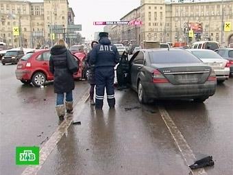 Бывший начальник ГИБДД предложил ликвидировать спецполосы в Москве