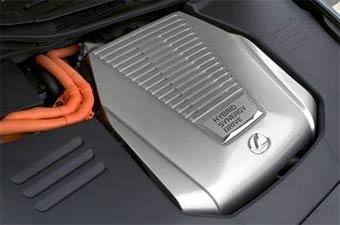 Компания Lexus начинает продажи гибридного GS450h в Японии