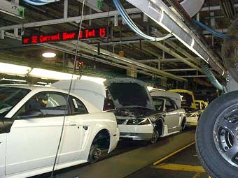 Концерн Ford сократит 30 тысяч своих сотрудников