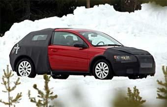 Volvo C30 придется ждать еще почти год