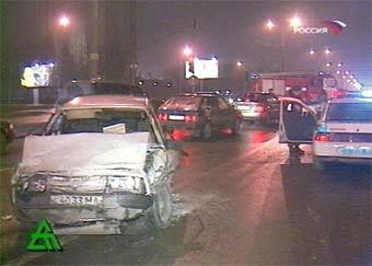 В Москве столкнулись 13 автомобилей