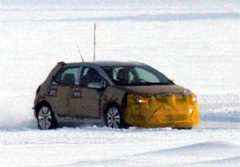 Toyota откладывает выпуск обновленной Corolla