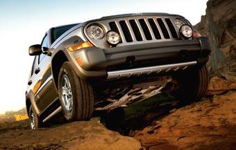 Jeep отзывает более 830 тысяч внедорожников