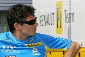 Физикелла останется в Renault на следующий сезон