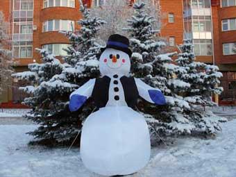 """Снеговики помогут архангельским """"гаишникам"""" патрулировать улицы"""