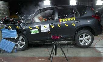 По методике EuroNCAP разбили два новых внедорожника