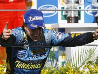 Алонсо согласился на звание трехкратного чемпиона мира