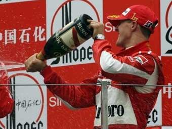 Шумахер стал фаворитом букмекеров в борьбе за чемпионский титул