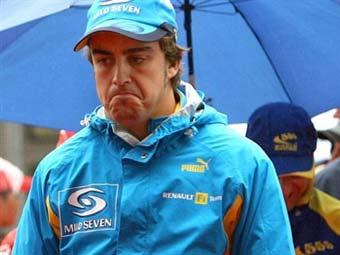 Алонсо обвинил в своих неудачах команду Renault